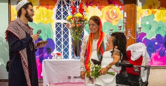 Eşcinsel imamdan lezbiyen nikahı
