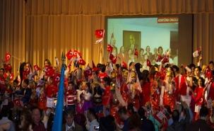 Dünya Çocukları 23 Nisan'ı New York'ta kutladı